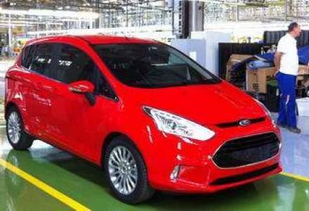 Basescu a cumparat primul model Ford B-MAX lansat la Craiova