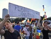 Protest Piata Victoriei:...