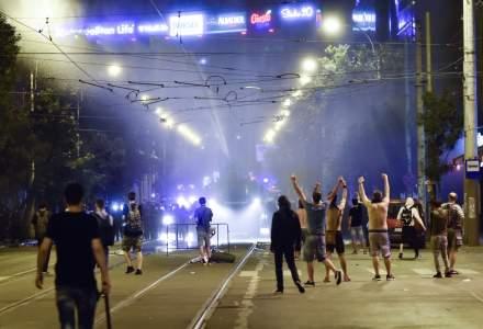 Politia Capitalei: Doi barbati din Bucuresti, retinuti dupa violentele din Piata Victoriei