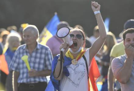 Mai multe persoane care au participat la protest in Piata Victoriei au solicitat certificate de la INML