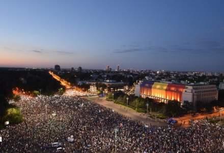 """Democratia moare in gaze si bastoane!"". Romanii se pregatesc sa iasa din nou in Piata Victoriei"
