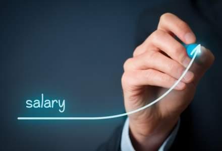 Cum sa pui mana pe mai multi bani! 8 sfaturi rapide ca sa-ti negociezi salariul cu minim de efort