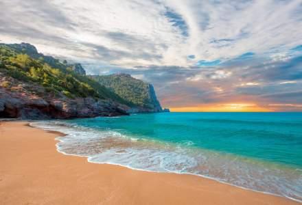 Prelungeste-ti vacanta de vara: 7 locuri din Europa in care poti face plaja si in octombrie