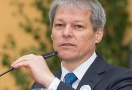 Ciolos: Criza pestei porcine, cauzata de incompetenta Guvernului PSD-ALDE. Dancila, Daea si directorul ANSVSA - responsabili