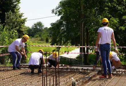 240 de voluntari vor construi impreuna cu profesionisti 8 case in 5 zile pentru 8 familii din judetul Constanta