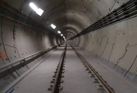 Cum arata statiile de metrou din Drumul Taberei cu sase luni inainte de darea in functiune