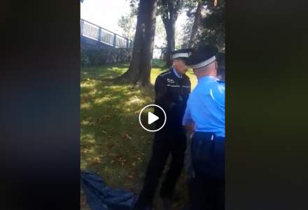 Revista presei 12 septembrie: Politistii locali din sectorul 3 filmati in timp ce loveau un copil. VIDEO