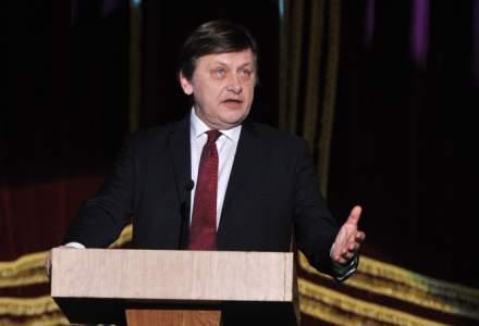 Crin Antonescu revine in politica! Vrea un loc pe lista PNL pentru alegerile europarlamentare