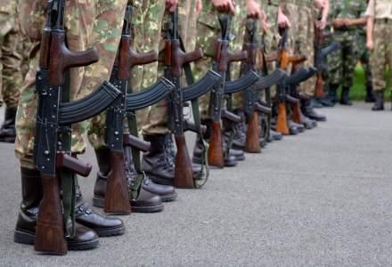 Salarii de peste 16.500 de lei in MApN. Un functionar civil castiga de 10 ori mai mult decat un soldat