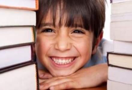 Alternativa supra-indatorarii la banca: ce oferte de economisire pentru copii au asiguratorii?
