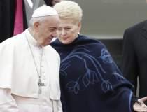 Papa Francisc ii critica la...
