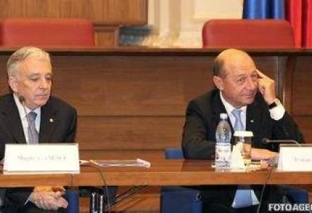 Basescu: Nu imi permit sa il contrazic pe Isarescu
