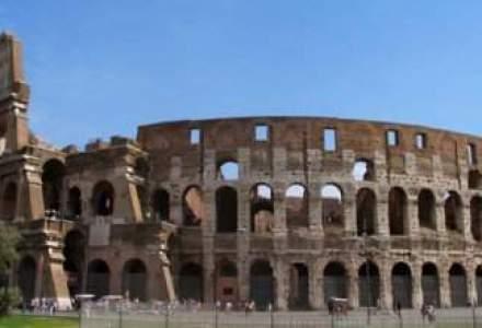 Colosseumul din Roma devine noul Turn din Pisa. Vezi de ce