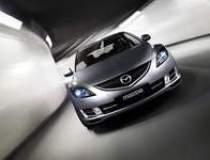 Mazda vrea sa vanda 400 de...