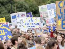 Londra: Manifestatie pentru...