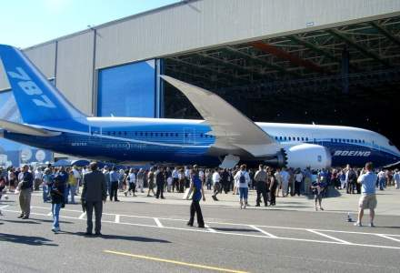 Doi oficiali TAROM au fost in SUA sa vada doua aeronave Boeing 787 Dreamliner