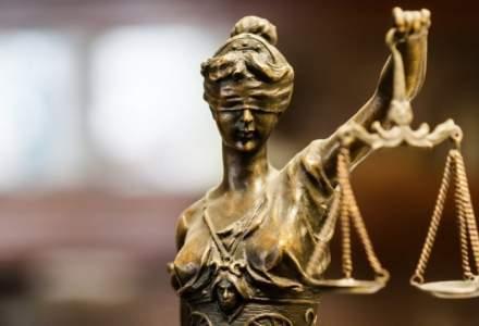 """Doua asociatii de magistrati ii cer lui Toader sa """"abandoneze imediat"""" procedura de revocare a lui Lazar"""