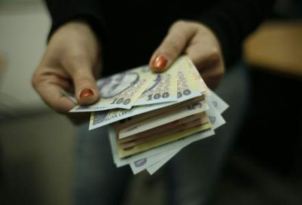 Revista presei 26 octombrie: Criza fortei de munca se adanceste: statul ofera 1.000 de euro salariu, dar nimeni nu ajunge la interviu