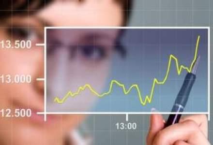 Mai putini angajati in asigurari: personalul a scazut cu 20%