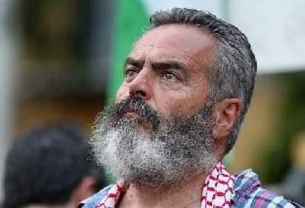 Robin Hood in zilele noastre: un primar din Spania ocupa banci, fura din supermarket si imparte la saraci