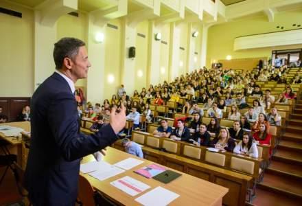 """Romania a reusit sa doboare recordul mondial Guinness pentru """"Cea mai mare lectie de educatie financiara"""""""