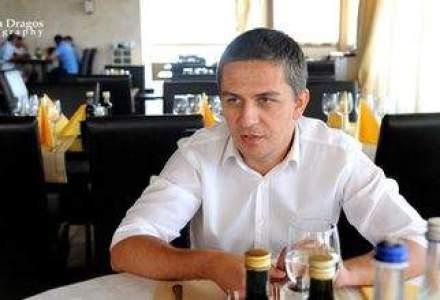 """La pranz cu Iulian Stanciu, """"sef peste sporturile extreme"""": difera semnarea unui contract de milioane de euro de skydiving?"""