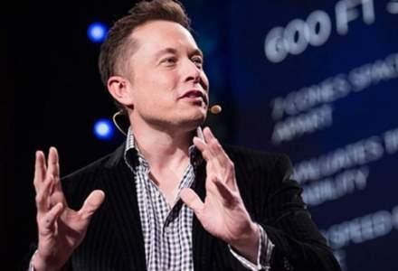Elon Musk a fost inlaturat in mod oficial de la conducerea Tesla. O femeie i-a luat locul