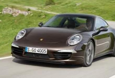 Video: Porsche prezinta noile versiuni cu tractiune integrala 911 Carrera