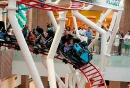 Senzatii tari la mall: primul roller coaster indoor din Europa de Est s-a deschis in Bucuresti