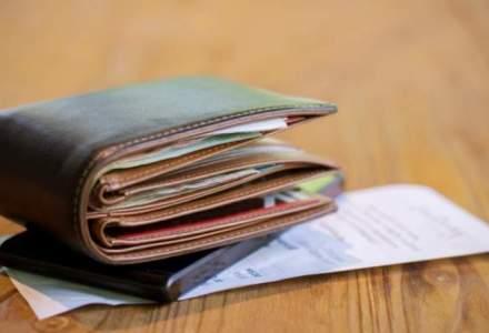 Angajatii la stat castiga cu 2.000 de lei mai mult decat cei de la privat, sustine un deputat USR