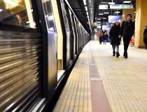 Angajatii de la metrou intra...