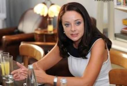 Melania Hancila, Volksbank: Doar o crestere economica de 5% va rezolva problema saraciei
