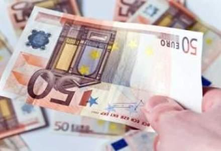 Cursul fluctua sub 4,4850 lei/euro spre finalul zilei