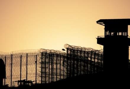 Peste 2.000 de telefoane mobile, descoperite in penitenciare in primele zece luni; nicio evadare, 10 sinucideri