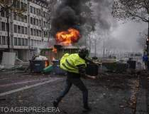 Proteste violente in Paris:...
