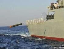 Americanii trimit doua nave...