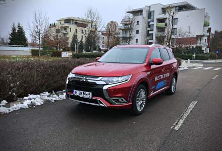 Test drive cu Mitsubishi Outlander PHEV, un SUV hibrid plug-in economic
