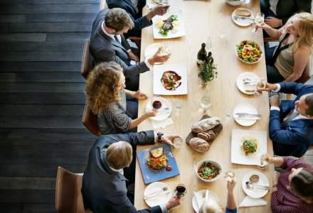 Sumele alocate de angajatorii romani pentru masa de pranz a angajatilor, in crestere
