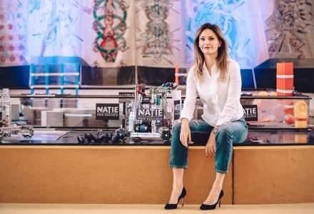 O fosta prezentatoare de stiri face educatie in locul Ministerului: povestea Natie Prin Educatie si a competitiei de robotica