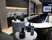 Samsung a redeschis magazinul...