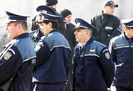 Revista presei 4 ianuarie: salariile politistilor si militarilor au crescut in prima zi din 2019