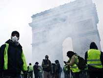 Proteste in Franta: vestele...