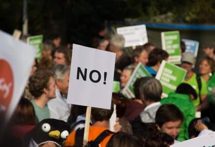 Zeci de mii de oameni protesteaza in Atena fata de acordul privind denumirea Macedoniei