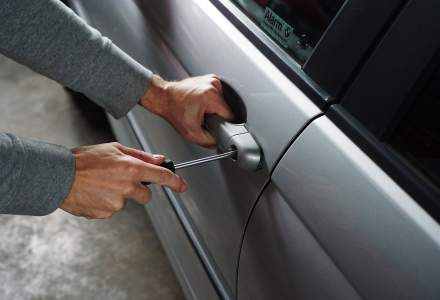 Numarul de masini furate din Vest intrate in tara este in crestere. Cum verifici daca masina pe care o cumperi este furata