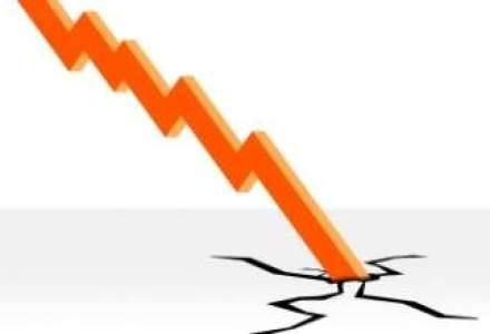 Euro, trimis in corzi: care este cauza deprecierii agresive?