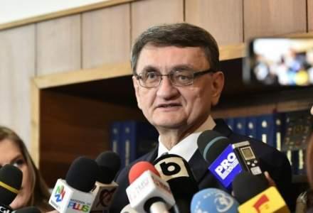 CCR a declarat neconstitutionala pensia speciala a lui Victor Ciorbea