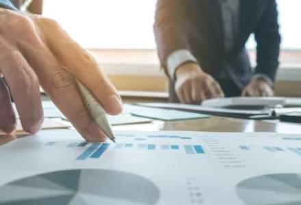 O noua estimare a Comisiei de prognoza prevede o scadere a salariatilor si o crestere mai mica a investitiilor
