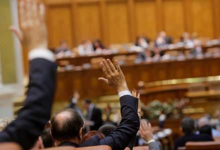 Birourile permanente: Votul in Parlament asupra bugetului pe 2019, programat pentru vineri