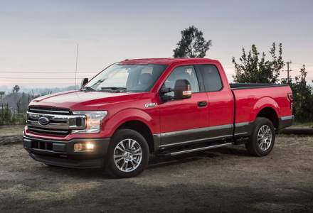 Ford cheama in service 1.48 milioane de unitati F-150: posibila problema la transmisia automata prin care masina poate incetini brusc