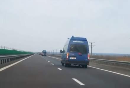 Jandarmeria sustine ca autospecialele filmate plecand din Constanta se deplaseaza la Calarasi pentru un meci de fotbal